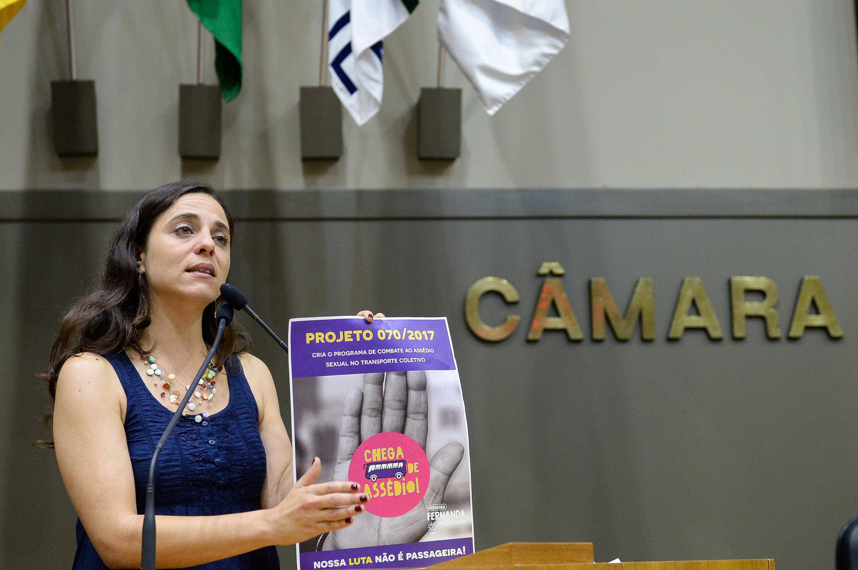 MULHERES: mandato feminista em defesa da vida e da luta delas!
