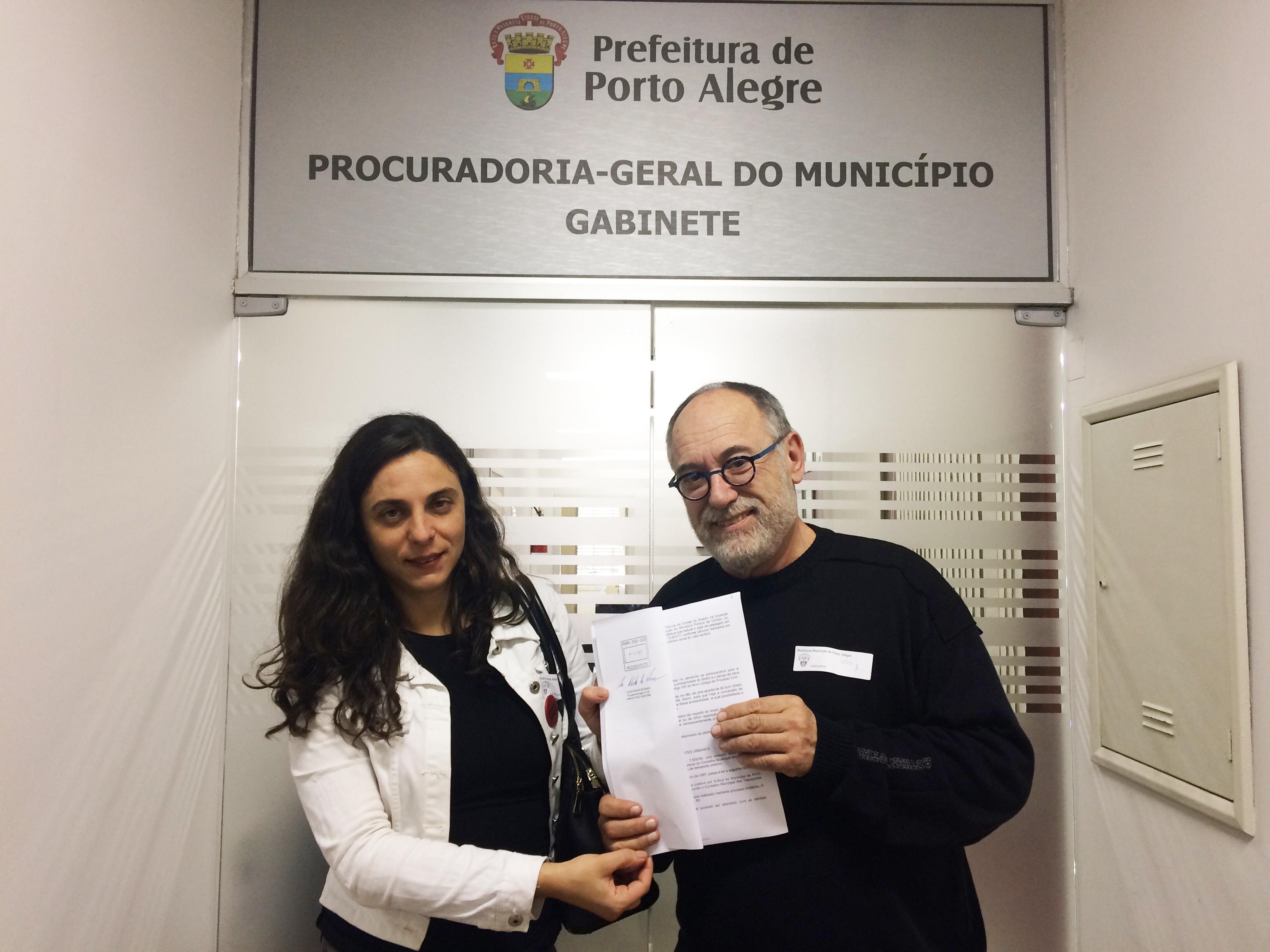 Ver. Fernanda Melchionna e Dep Pedro Ruas (PSOL) notificam Prefeitura de Porto Alegre e EPTC sobre decisão da Justiça que determina a volta da 2ª passagem gratuita