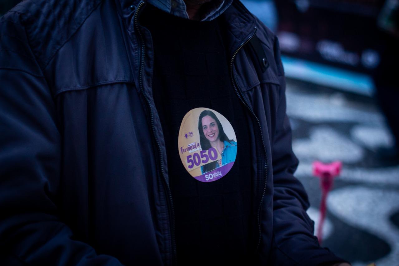 Nota da coordenação de campanha da candidata Fernanda Melchionna sobre a colagem não autorizada de adesivos
