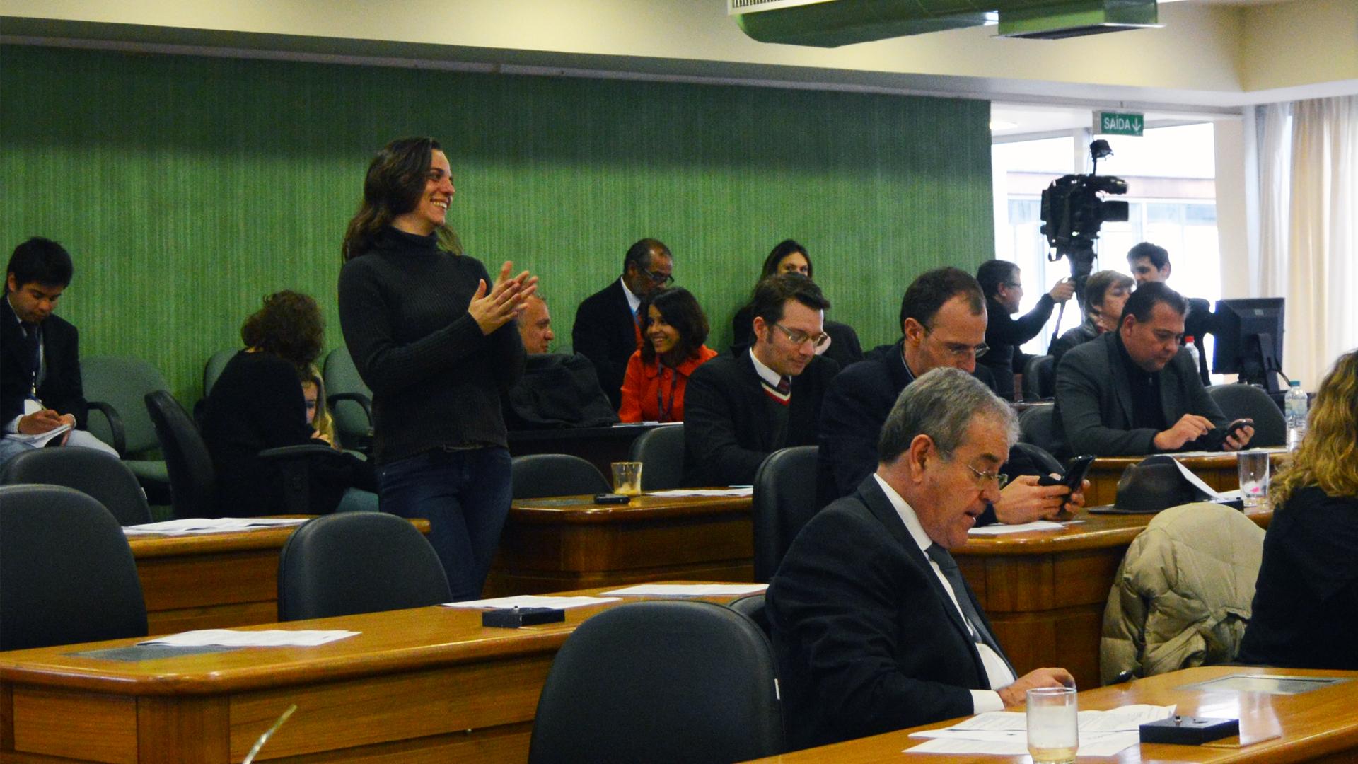 Câmara de Vereadores derruba veto da Prefeitura à ampliação para 20 dias da licença-paternidade dos servidores municipais