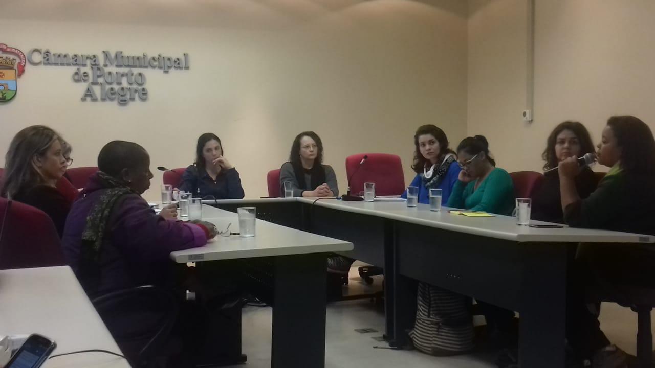 É preciso garantir que a Ocupação Mirabal seja reconhecida como um centro de referência de atendimento a mulheres vítimas de violência!