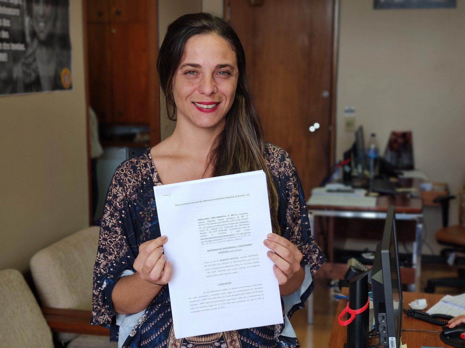 Fernanda entra na Justiça para garantir transparência de dados do Inpe
