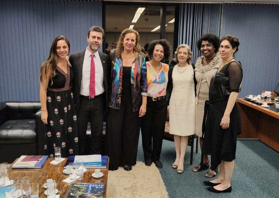 Fernanda denuncia no STF ameaça de retorno à censura no Brasil