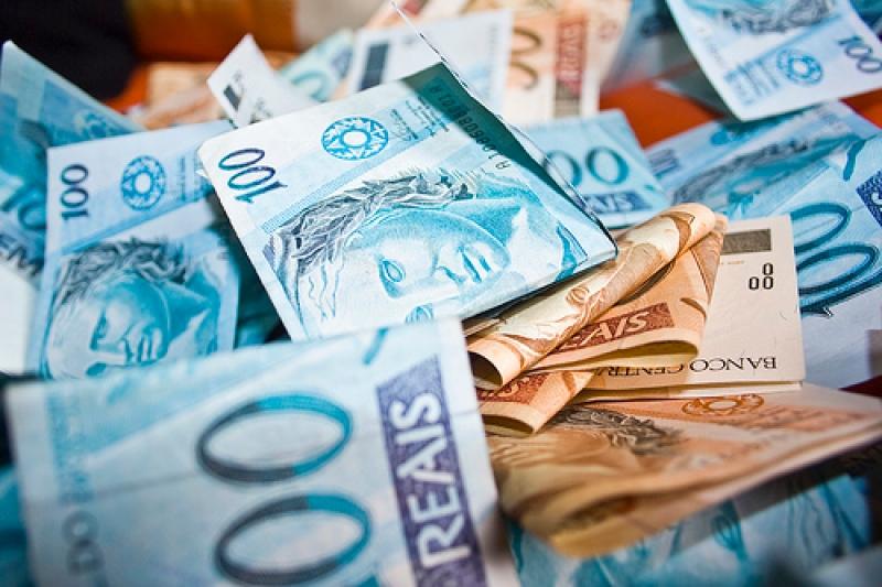 PSOL aciona STF pela regulação do imposto sobre grandes fortunas