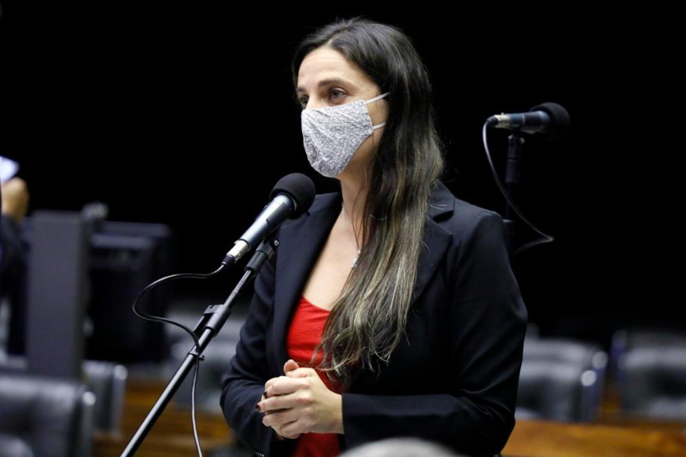 Câmara aprova Lei de Emergência Cultural que prevê auxílio de R$ 3 bilhões para setor durante pandemia