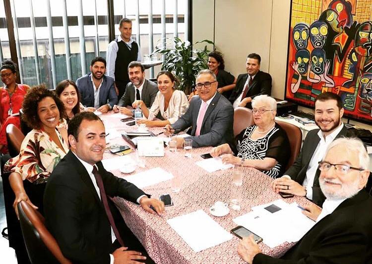 Câmara aprova PL que prioriza mulher para receber auxílio emergencial em família monoparental