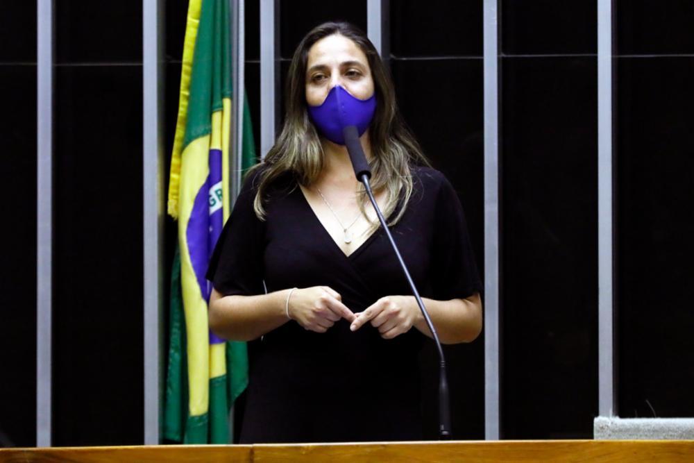 Fernanda e bancada do PSOL acionam PGR e TCU para investigar compra de votos pelo governo Bolsonaro