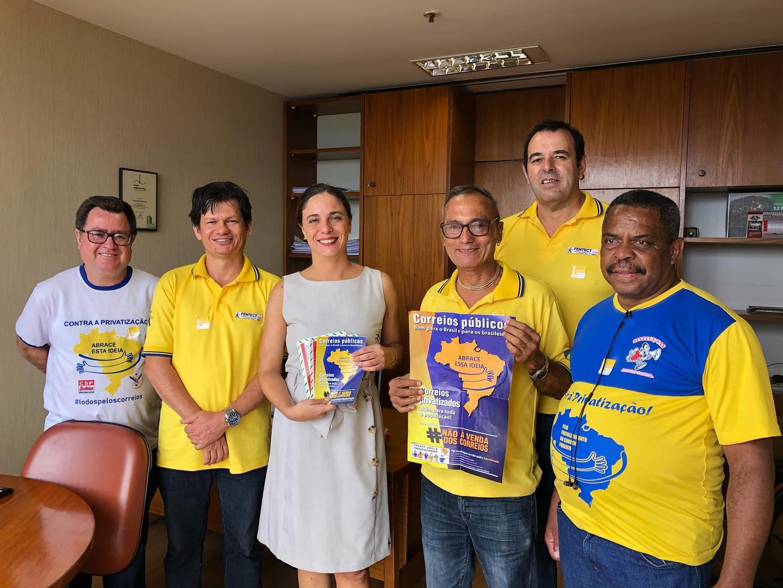 Fernanda cobra prioridade na vacinação e medidas de proteção aos trabalhadores dos Correios